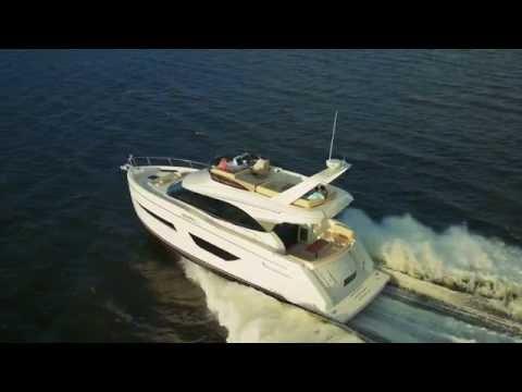 Carver Yachts C52 Command Bridge