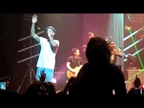 M.Pokora - A nos actes manqués (Live) - YouTube
