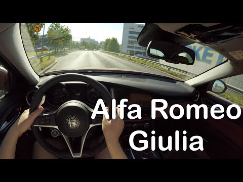 Alfa Romeo Giulia 2.0 280HP 2018 + Quick Review - PointOfViewCars