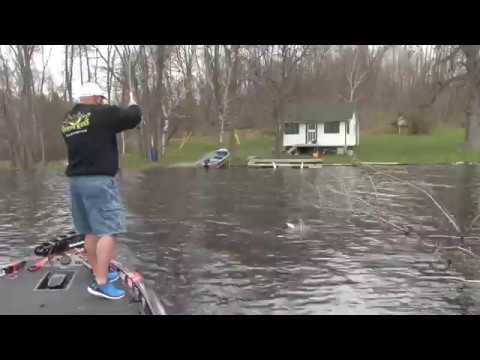 XTV- 12 Foot jig pole slams crappie