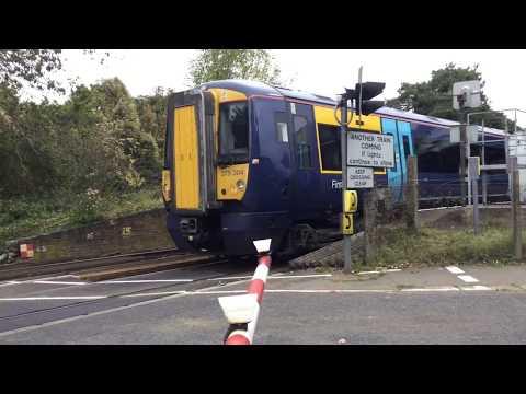 Yalding Station Level Crossing (Kent) Saturday 07.10.2017