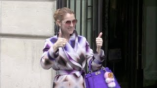 Baixar The always wonderful Celine Dion takes selfies and signs autographs for her fans outside her hotel