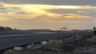 Uji coba landing di landasan pacu new yogyakarta airport temon jogja, sukse