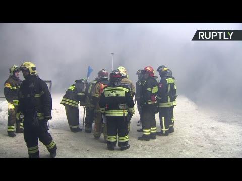 Корабль горит в акватории Москвы-реки - LIVE