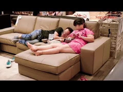 Comedian wakes up shoppers sleeping on furniture in Chinese Ikea store