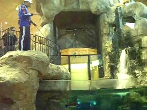 Bass pro shops fishing tank seminar youtube for Bass fish tank