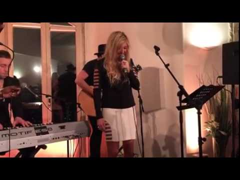 Ellie Goulding - Love Me Like You Do (Live 02/03/2015)
