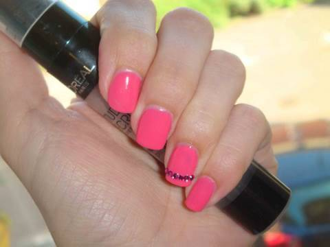 easy barbie pink nail design