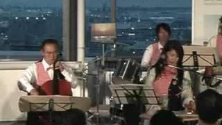 堺市役所で行われた「黄昏ライブ」より。 (2008.4)