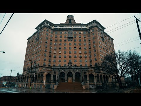 Exploring the Abandoned Baker Hotel  1920's Hotel in Decay