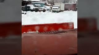 Уборка снега и обзор навесного оборудования для запорожца на пневмоприводе. d-tolik Чернигов. 02.01.