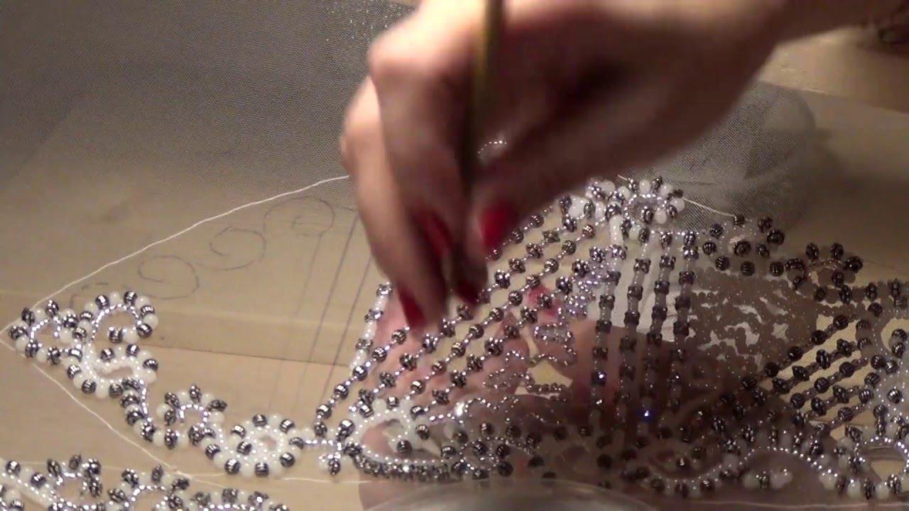 Стеклярусом вышивка на платье