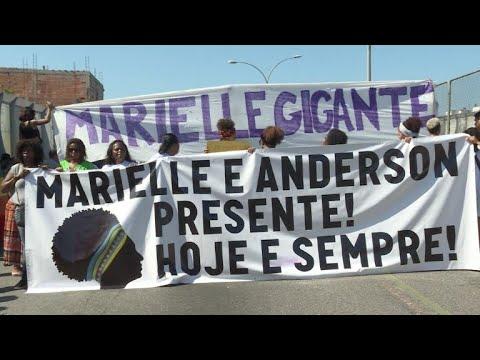 Comunidade da Maré faz ato por Marielle Franco