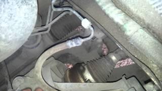 Странный звук, при выжиме педали сцепления. VW Polo Sedan(, 2014-10-10T18:43:09.000Z)