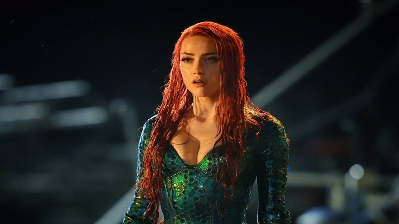 Amber Heard Reveals Her Sexy Green Suit For Aquaman -5606