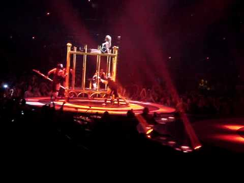 Britney Spears - Piece of me - Circus Tour - 03/24/09 Washington DC