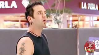 funny video: vacuum cleaner eats man's wig