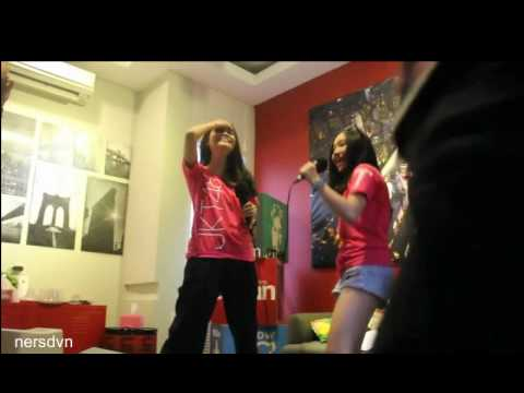 JKT48 - Aya, Yuriva, Devi dangdutan at Urban radio Bandung 8-12-16