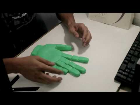 DIY Mão do Hulk de Biscuit para Topo de Bolo