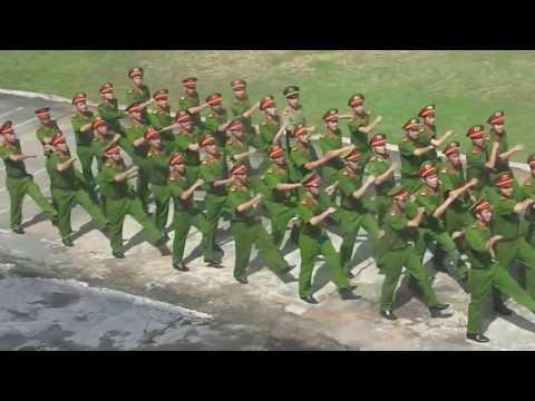 duyệt đội ngũ - lễ khai giảng năm học 2013 trường trung cấp quân y 2 (12/09/2013)