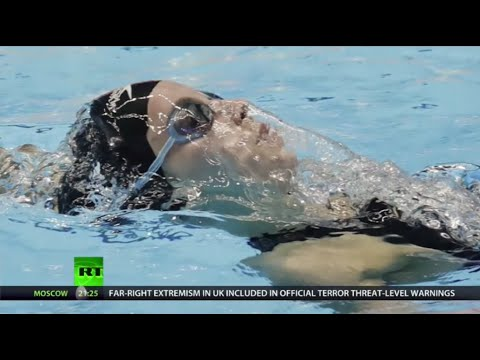 17-year-old American crushes Missy Franklin's world record