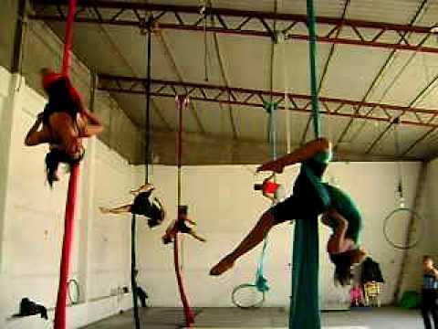 Danza aerea en tela youtube for Telas para visillos de salon