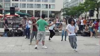 Dancing to Identity-Lecrae(EYN2012)