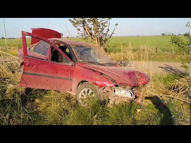 Volcó un auto en zona rural