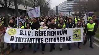 Frankreich: Gelbwestenproteste dauern an