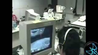 Sinirlenip Bilgisayar parçalayanlar