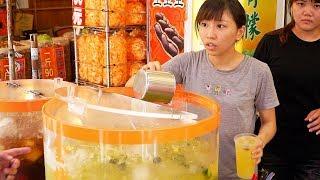 BEAUTIFUL Street Food Temple Tour in Taiwan   Taiwanese STREET FOOD + Temple Guide - BEST of Taiwan