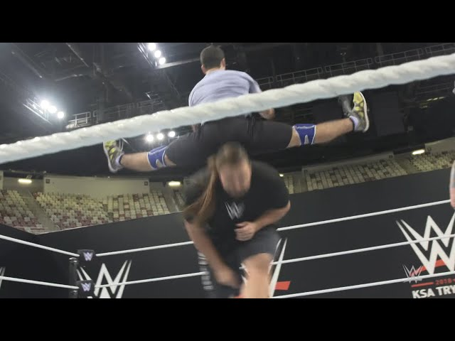 Saudi tryout competitors perfect their leapfrog form