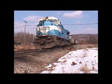 DEPLORABLE track, Conrail/NS SD80MAC #7212, Shelocta, PA  3/05/2005