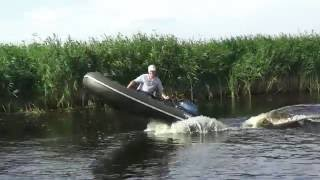видео мощный лодочный мотор