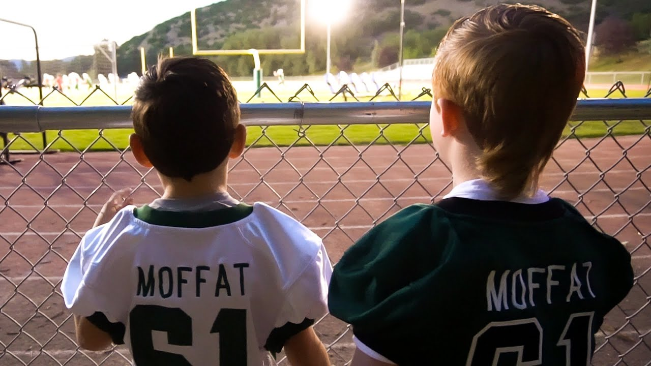 FRIDAY NIGHT FOOTBALL | SUPPORTING THE COMMUNITY