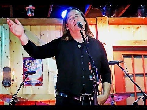 Laying Down To Perish & I Am A Sailor, Alan Doyle & The Beautiful Beautiful Band, Daryl's House