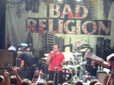 bad-religion---bored-and-extremely-dangerous-in-quebec-city