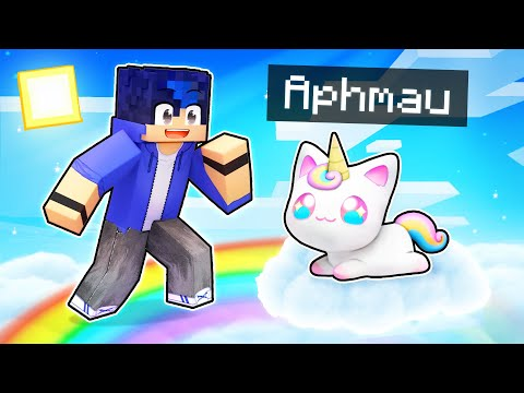 Playing Minecraft as a SPECIAL Unicorn Kitten!