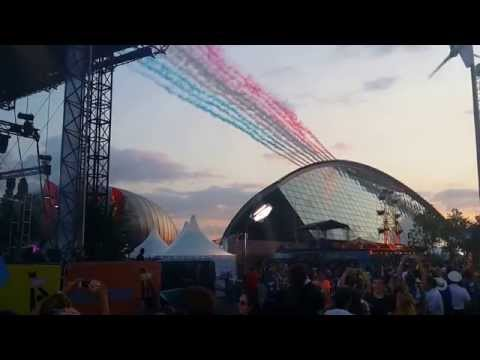 Glasgow 2014 Commonwealth Games - Red Arrows Flyover - BBC Pacific Quay