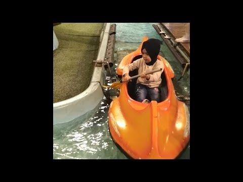 belajar-mendayung-perahu-kecil-di-transmart-studio