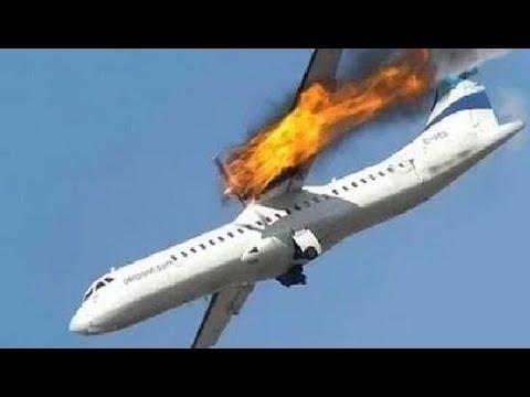 Resultado de imagem para foto do avião caindo do céu