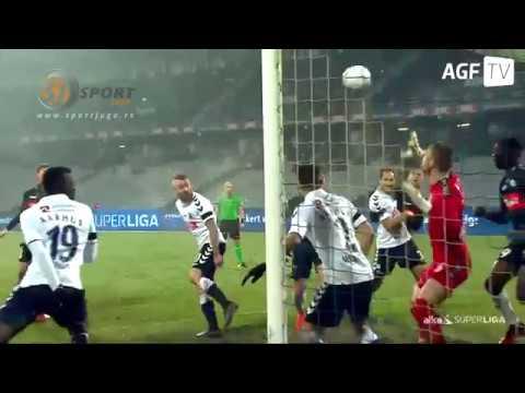 Aleksandar Jovanovic  čini čuda na golu Arhusa