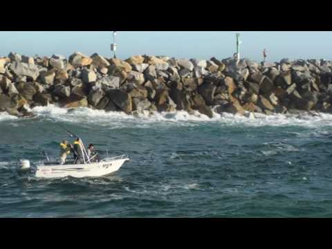 Narooma bar crossing.wmv