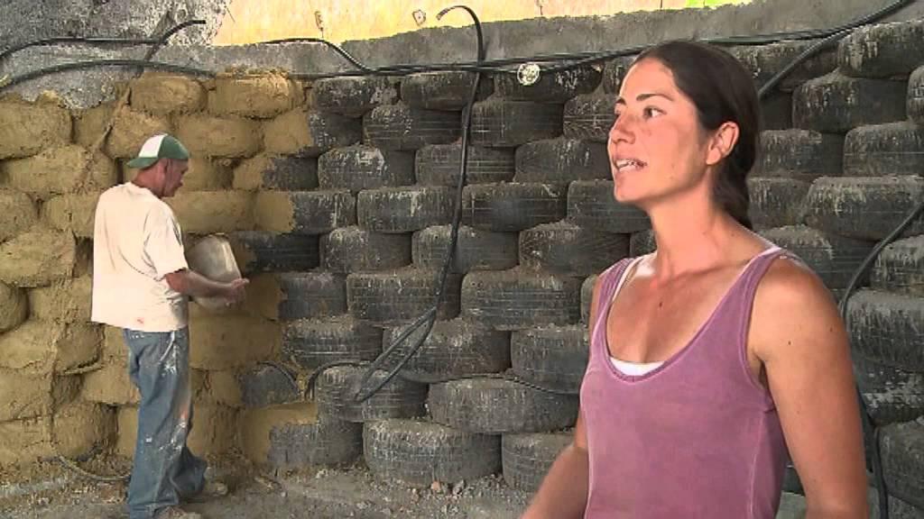 Colombia igloo eco friendly costruiti con gli pneumatici for Progetti di edilizia eco friendly