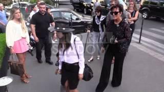 EXCLUSIVE - Kardashian Clan at l'Avenue restaurant in Paris