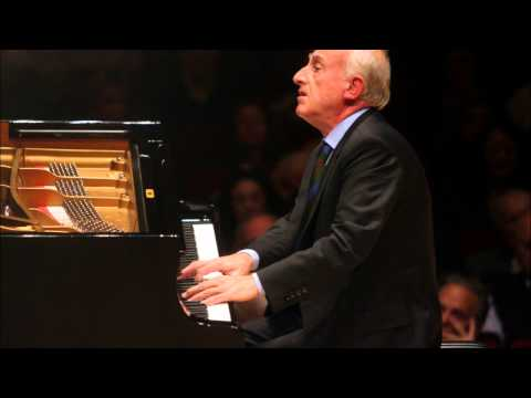 Maurizio Pollini plays Beethoven: Sonata op.13 no.8 'Pathétique' (2/2) & encores (Lucerne 2012)