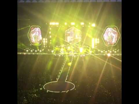 Coldplay - Yellow (Milano, 03/07/2017)