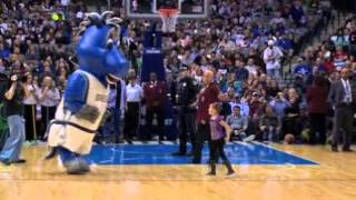 Kaylie  Madison at Mavs game Feb 26 2013