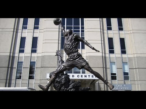 Michael Jordan and Scottie Pippen Statue - (Official)