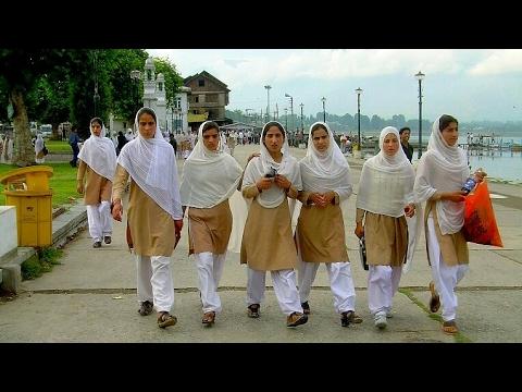 Pahari Mahye Maya Kashmir Niya